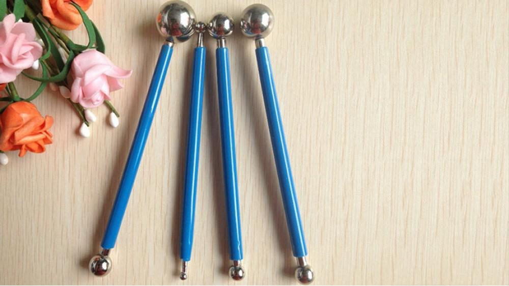 Набор металлических стеков с шариками для мастики