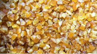 Цукаты апельсина, кусочки в сиропе 6х6 мм, 150 грамм