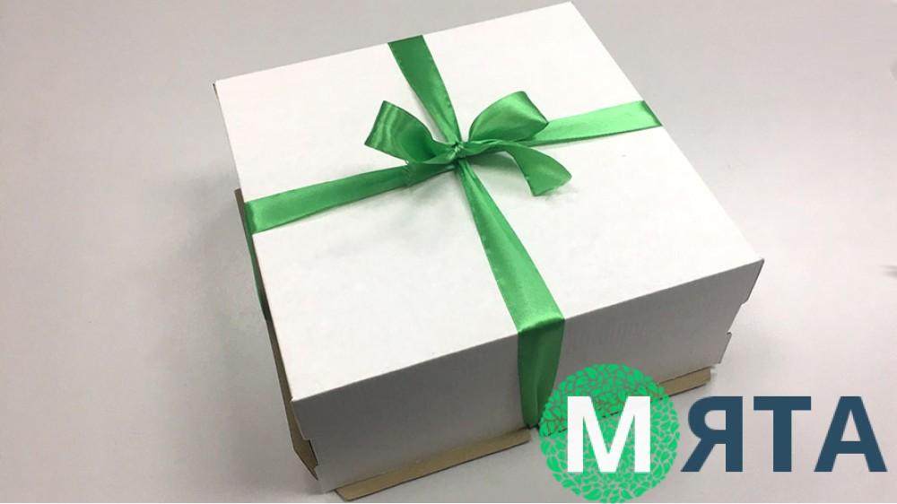 Коробка для торта 25х25х10 см. Ретро